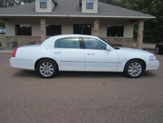 2003 Lincoln Town Car Cartier Batesville, Mississippi 3