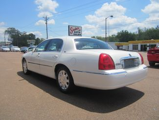 2003 Lincoln Town Car Cartier Batesville, Mississippi 7