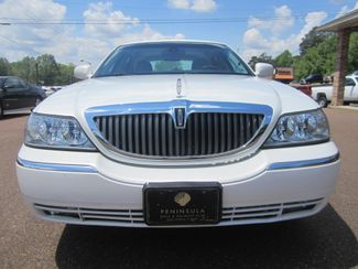 2003 Lincoln Town Car Cartier Batesville, Mississippi 10