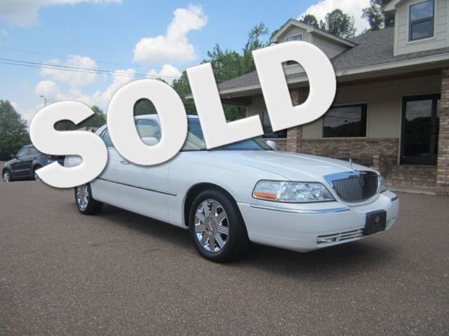 2003 Lincoln Town Car Cartier Batesville, Mississippi