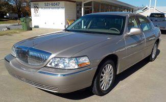2003 Lincoln Town Car Executive Fayetteville , Arkansas 1