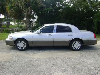 2003 Lincoln Town Car Signature in Fort Pierce, FL 34982