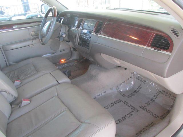 2003 Lincoln Town Car Cartier L Gardena, California 7