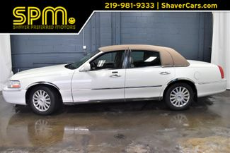 2003 Lincoln Town Car 4d Sedan Executive in Merrillville, IN 46410