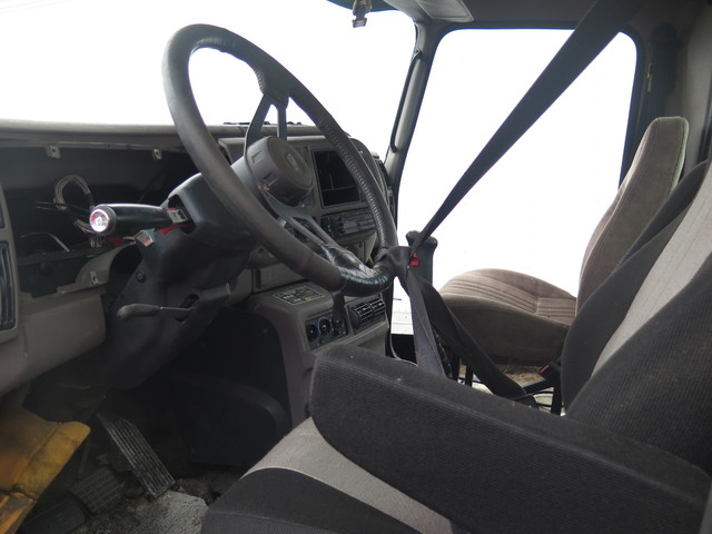 2003 Mack CX613 in Ravenna, MI 49451