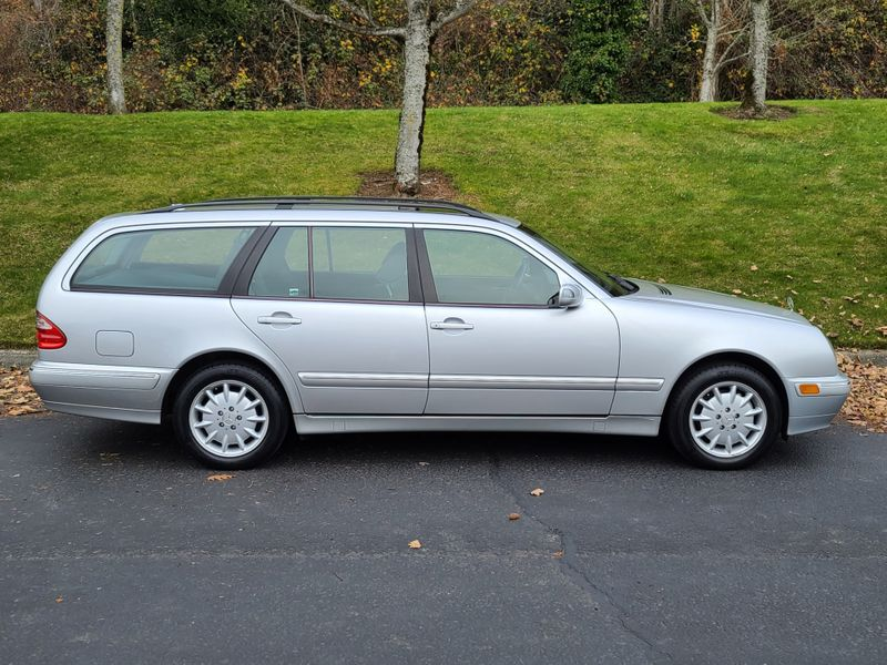 2003 Mercedes-Benz E320 4Matic Wagon All Wheel Drive Local 1 Owner 72000 Miles Excellent Condition  city Washington  Complete Automotive  in Seattle, Washington