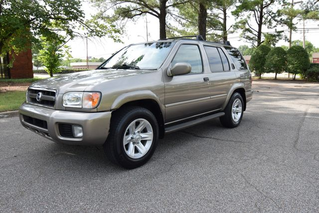 2003 Nissan Pathfinder LE in Memphis Tennessee, 38128