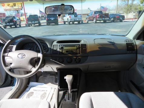 2003 Toyota Camry LE   Abilene, Texas   Freedom Motors  in Abilene, Texas