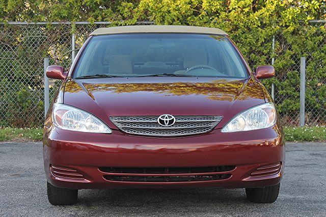 2003 Toyota Camry LE Hollywood, Florida 12