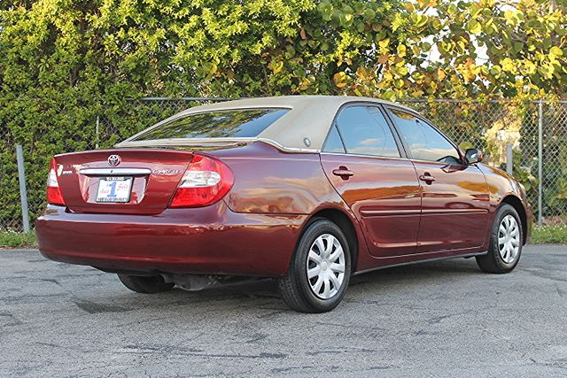 2003 Toyota Camry LE Hollywood, Florida 4