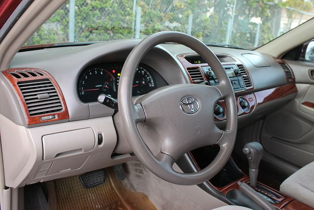 2003 Toyota Camry LE Hollywood, Florida 14