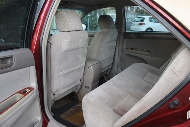 2003 Toyota Camry LE Hollywood, Florida 21