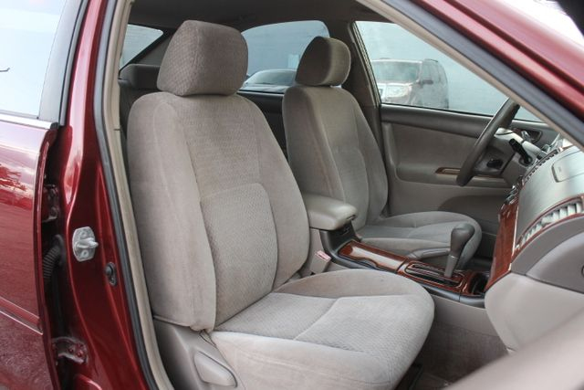2003 Toyota Camry LE Hollywood, Florida 22