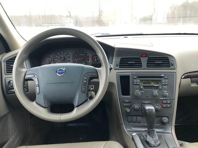 2003 Volvo V70 2.5L Turbo XC70 Ravenna, Ohio 8