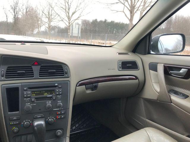 2003 Volvo V70 2.5L Turbo XC70 Ravenna, Ohio 9
