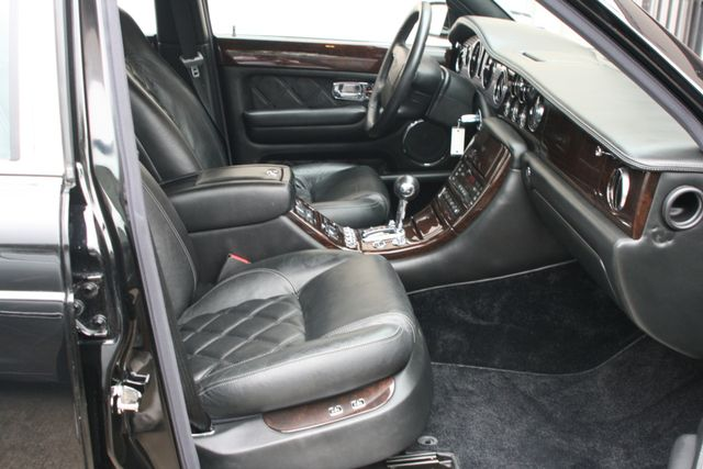 2004 Bentley Arnage T Houston, Texas 20