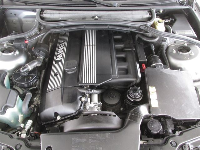 2004 BMW 325i Gardena, California 15