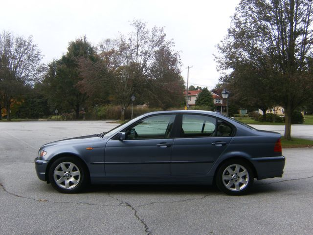 2004 BMW 325i West Chester, PA 4