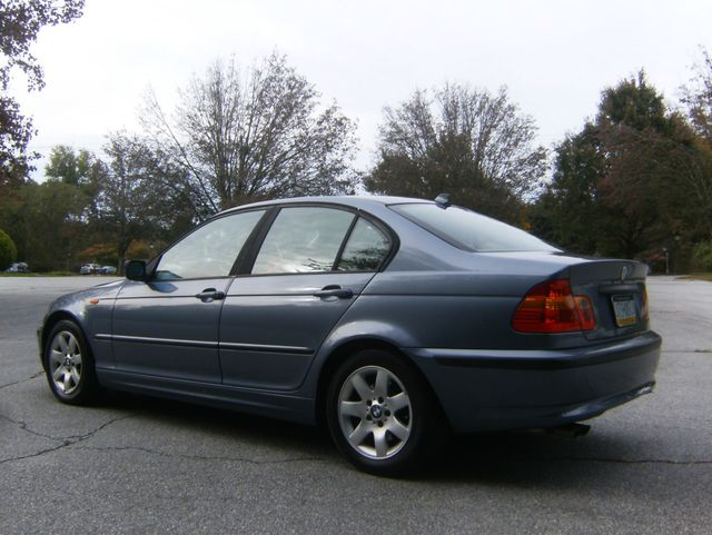 2004 BMW 325i West Chester, PA 3