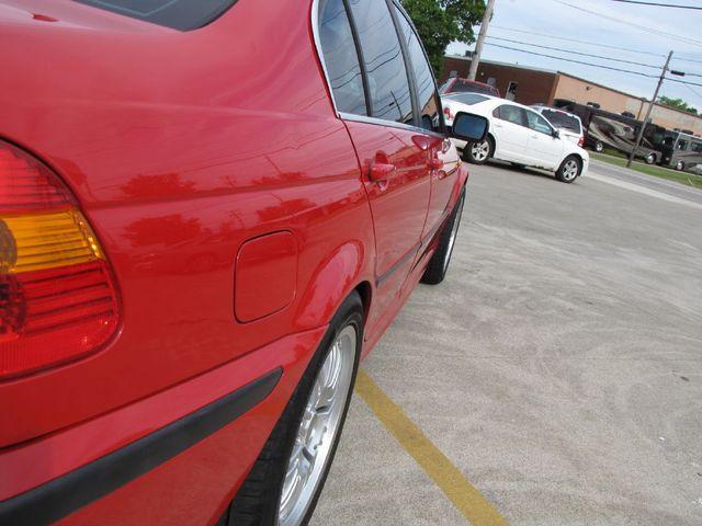 2004 BMW 330xi XI in Medina OHIO, 44256