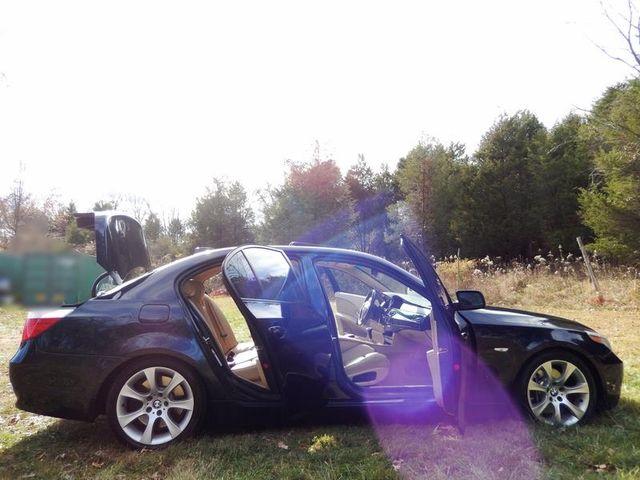 2004 BMW 545i 6-SPEED MANUAL W/SPORT/PREMIUM/NAVIGATION Leesburg, Virginia 7