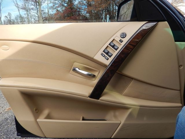 2004 BMW 545i 6-SPEED MANUAL W/SPORT/PREMIUM/NAVIGATION Leesburg, Virginia 10