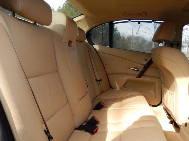 2004 BMW 545i 6-SPEED MANUAL W/SPORT/PREMIUM/NAVIGATION Leesburg, Virginia 14