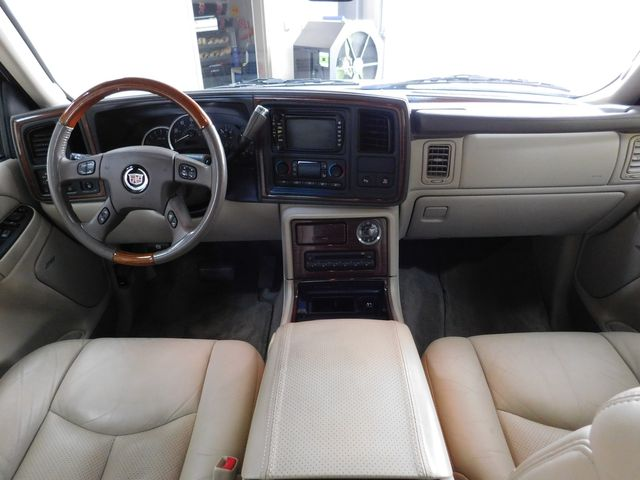 2004 Cadillac Escalade LUXURY in Airport Motor Mile ( Metro Knoxville ), TN 37777