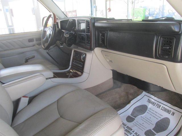 2004 Cadillac Escalade ESV Platinum Edition Gardena, California 7