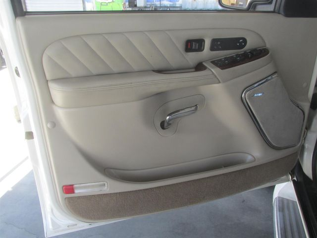2004 Cadillac Escalade ESV Platinum Edition Gardena, California 8
