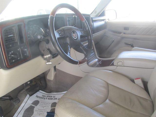 2004 Cadillac Escalade ESV Platinum Edition Gardena, California 4