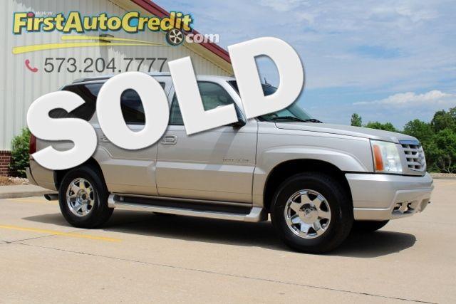 2004 Cadillac Escalade in Jackson MO, 63755