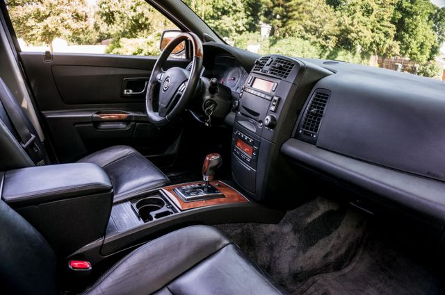 2004 Cadillac SRX Reseda, CA 36