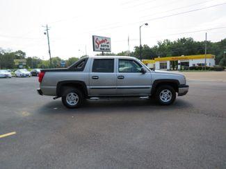 2004 Chevrolet Avalanche Batesville, Mississippi 1