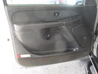 2004 Chevrolet Avalanche Gardena, California 8