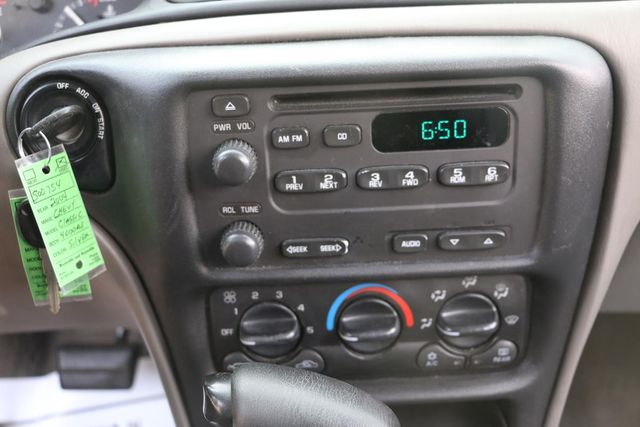 2004 Chevrolet Classic Santa Clarita, CA 19