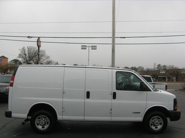 2004 Chevrolet Express Cargo Van Richmond, Virginia 4