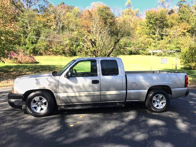 2004 Chevrolet Silverado 1500 Base in Knoxville, Tennessee 37920