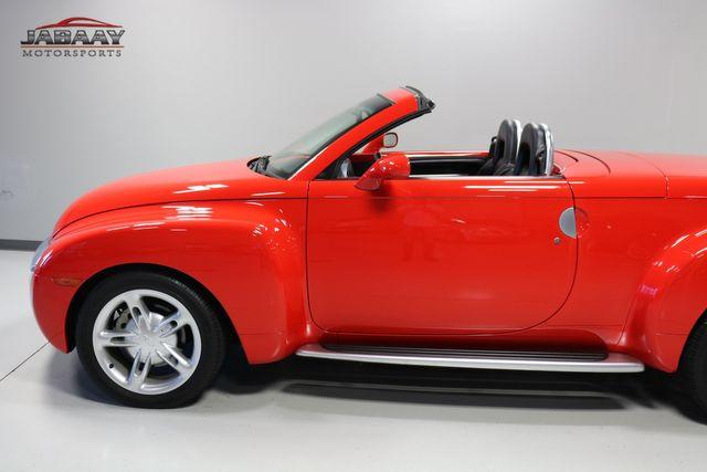 2004 Chevrolet SSR LS Merrillville, Indiana 30