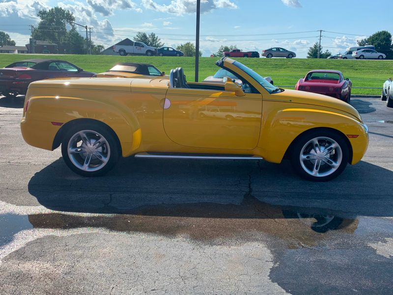 2004 Chevrolet SSR   St Charles Missouri  Schroeder Motors  in St. Charles, Missouri