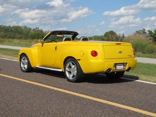 2004 Chevrolet SSR LS St. Louis, Missouri 3