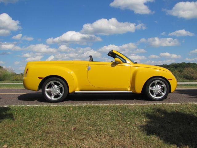 2004 Chevrolet SSR LS St. Louis, Missouri 5