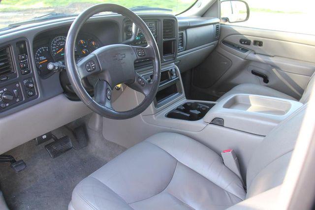 2004 Chevrolet Suburban LT Santa Clarita, CA 8