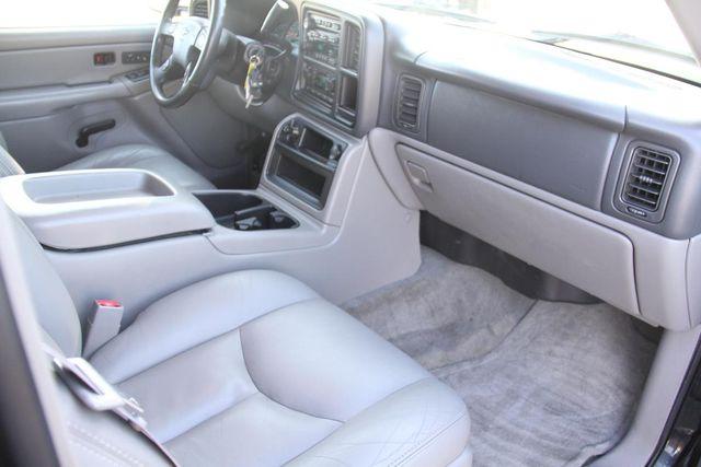 2004 Chevrolet Suburban LT Santa Clarita, CA 9