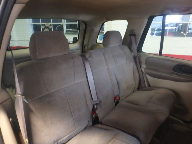 2004 Chevrolet Trailblazer Lt TRUSTED RELIABILITY, SERVICED, ROADTRIP READY Saint Louis Park, MN 4
