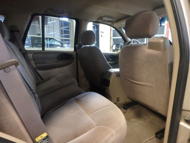 2004 Chevrolet Trailblazer Lt TRUSTED RELIABILITY, SERVICED, ROADTRIP READY Saint Louis Park, MN 5