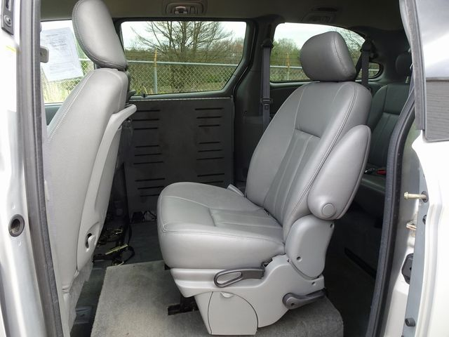2004 Chrysler Town & Country Touring Madison, NC 14