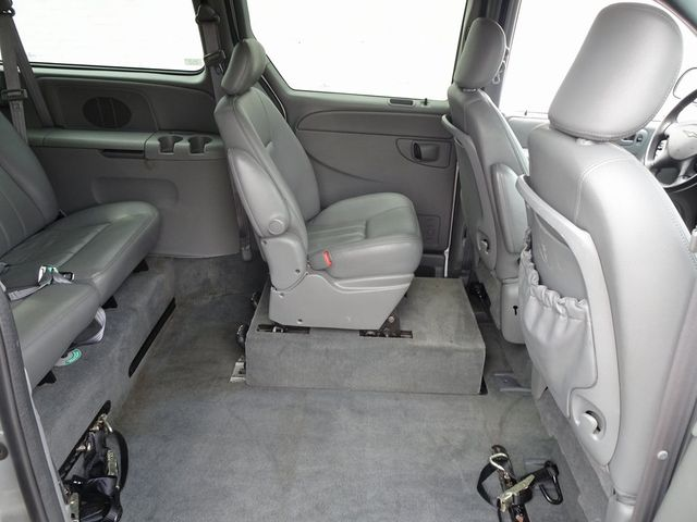 2004 Chrysler Town & Country Touring Madison, NC 30