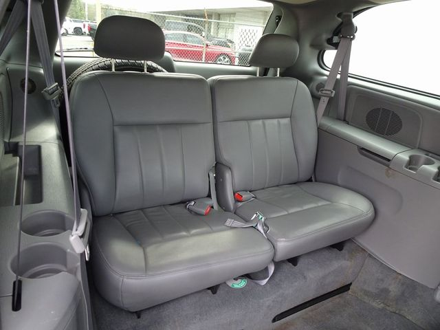 2004 Chrysler Town & Country Touring Madison, NC 31