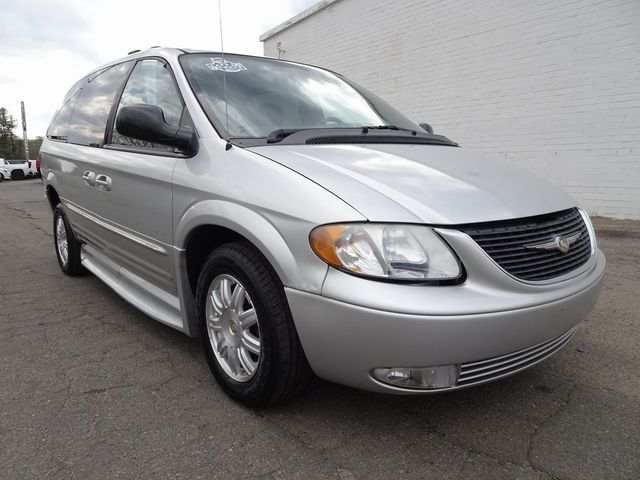 2004 Chrysler Town & Country Touring Madison, NC 7
